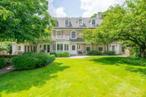 Come see this 7000+ sq ft 5 bedroom home on South Parkview and 4 other great homes tomorrow!
